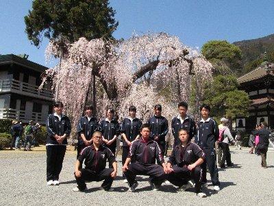久遠寺へ①.JPG